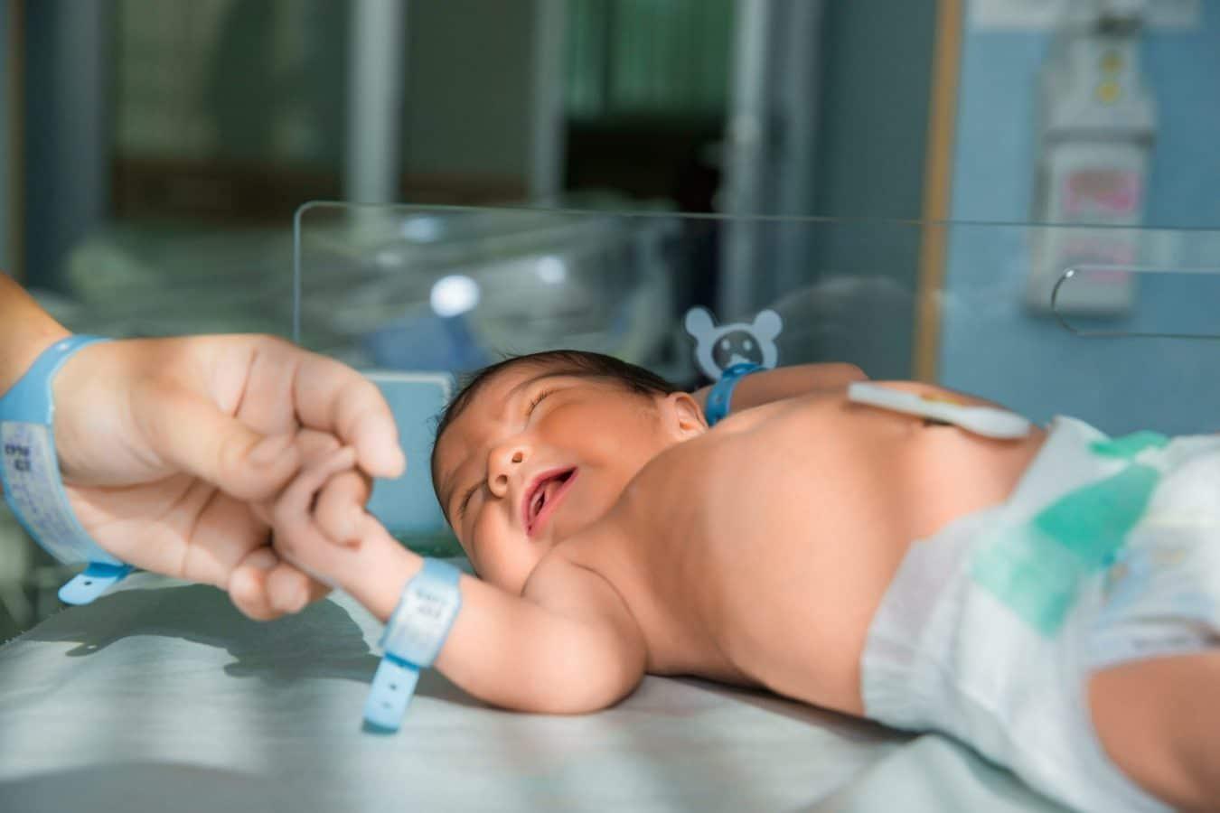 Em bé mới chào đời chính là trung tâm của vũ trụ