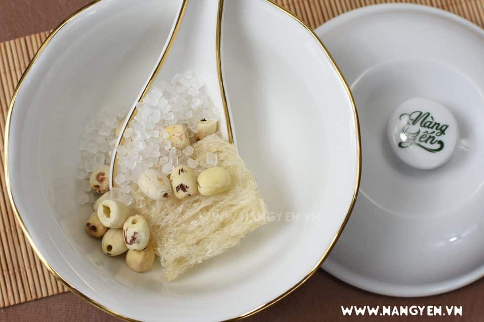 Đối với loại thực phẩm siêu dinh dưỡng như tổ yến bạn không nên sử dụng hàng ngày mà nên dùng cách bữa trong tuần. Ăn yến 2 – 3 lần/tuần là đủ