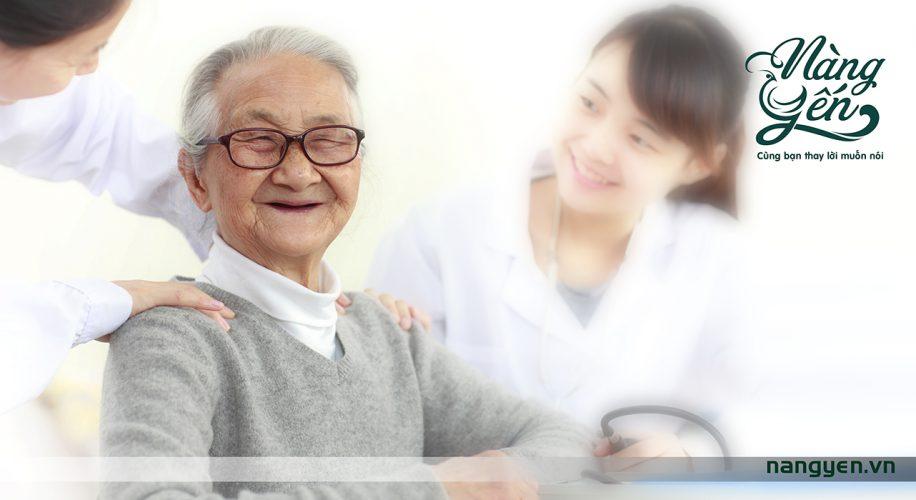 Thăm bệnh mua gì dành cho người cao tuổi bạn cũng nên lựa chọn các loại thảo dược hoặc thực phẩm thiên nhiên có hàm lượng dinh dưỡng cao