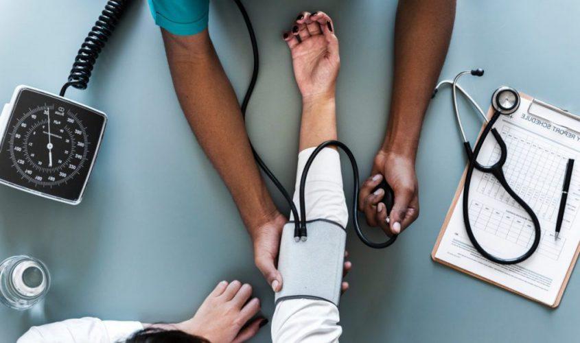 Món quà thích hợp cho người bệnh huyết áp là các loại sữa, sữa chua, sữa cao năng lượng