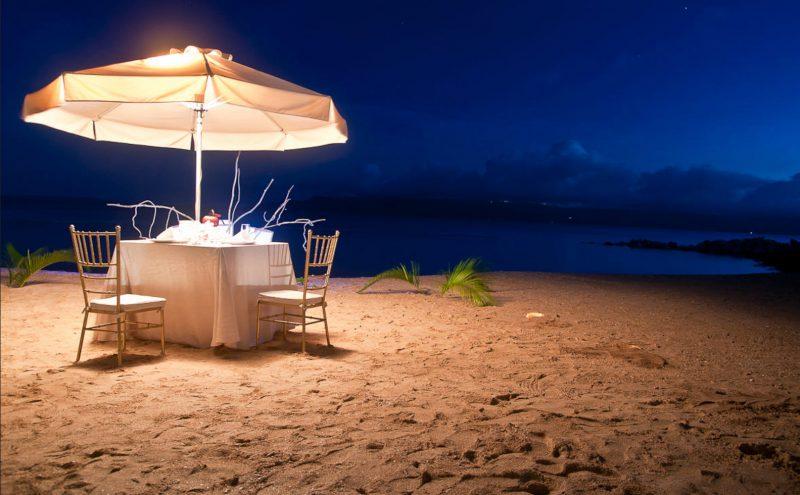 Hãy tưởng tượng một buổi tối lãng mạn chỉ có hai người trên bãi biển