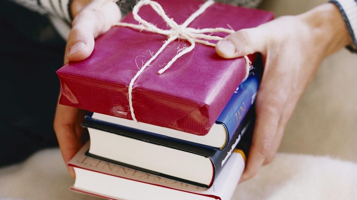 """Tặng sách - Bài viết : """" Tặng gì cho vợ nhân ngày 20 10 """""""